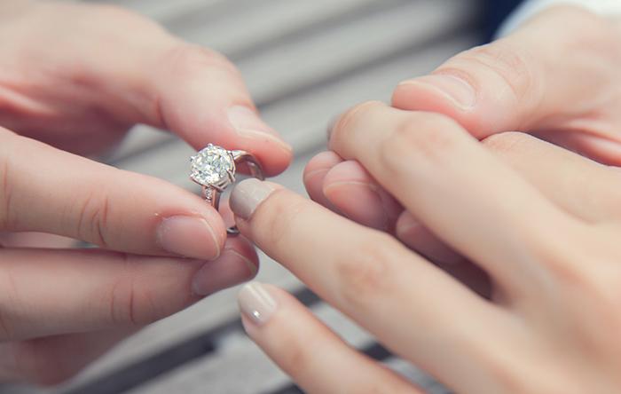 Lựa chọn nhẫn cưới đẹp