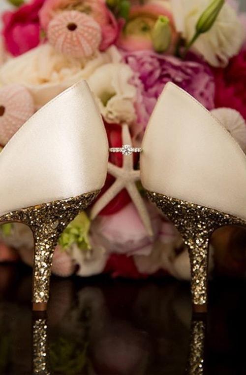 Chiếc nhẫn cưới thiêng liêng