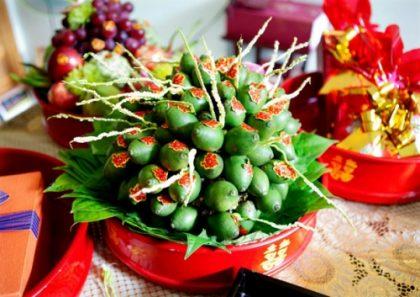 Lễ vật dạm ngõ thường gồm trầu cau, thuốc, bánh kẹo,...