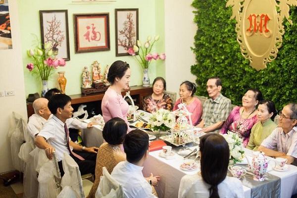 2 bên gia đình sẽ cùng ngồi lại nói chuyện trong lễ dạm ngõ